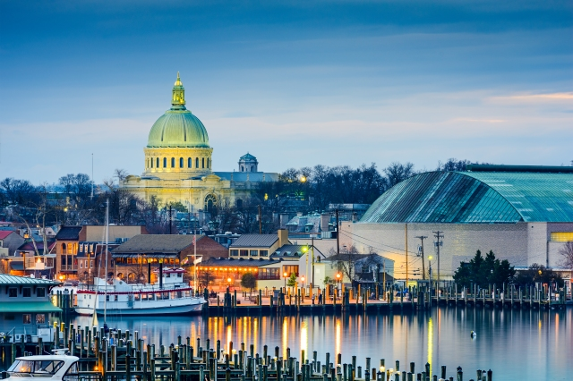 Annapolis, Maryland, USA town skyline at Chesapeake Bay with the United States Naval Academy Chapel dome.