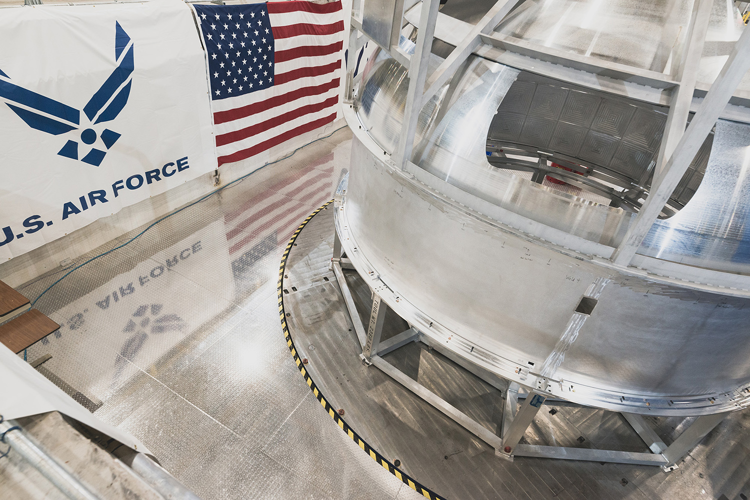 OmegA partner Vivace manufactures a pathfinder cryogenic fuel tank using the latest friction stir welding technology at NASA's Michoud Assembly Facility. (November 2019)